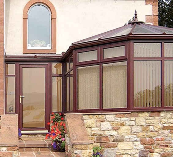 p Shaped conservatory Hampshire 565x515